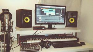10 Cosas que NO Pueden Faltar en Tu Home Studio